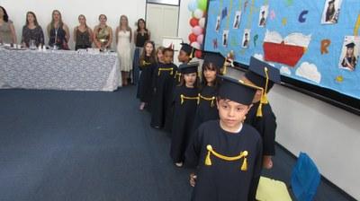 Alunos realizam evento de conclusão da Educação Infantil