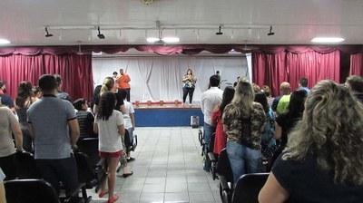 Celebração de Páscoa reúne alunos, famílias e funcionários do Colégio Metodista