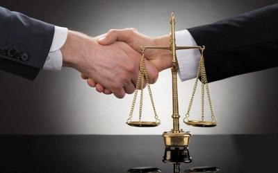 Dignidade tem a ver com solidariedade e justiça
