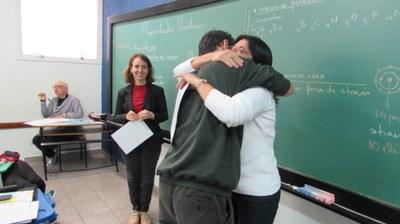 Estudante recebe certificado de menção honrosa da 13ª Olimpíada Brasileira de Matemática
